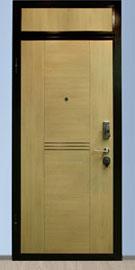 фрамуга над металлической дверью
